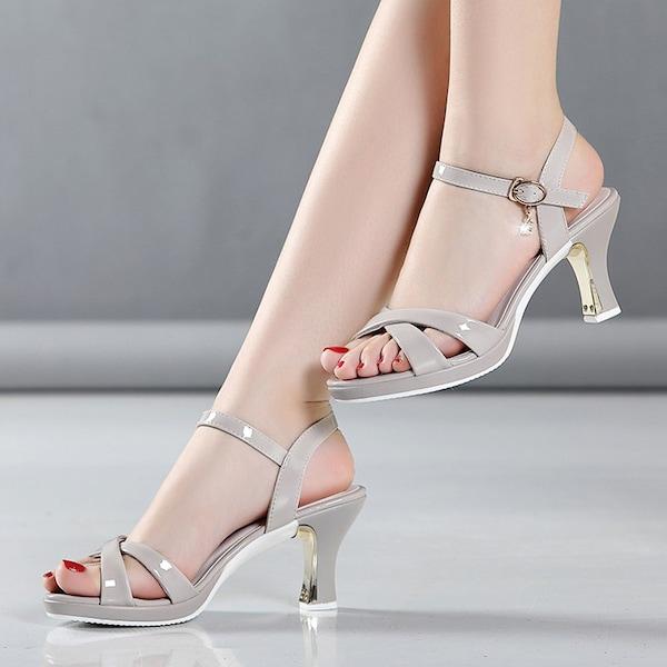 حذاء نسائي عالية الكعب سميك مفتوحة من الأمام