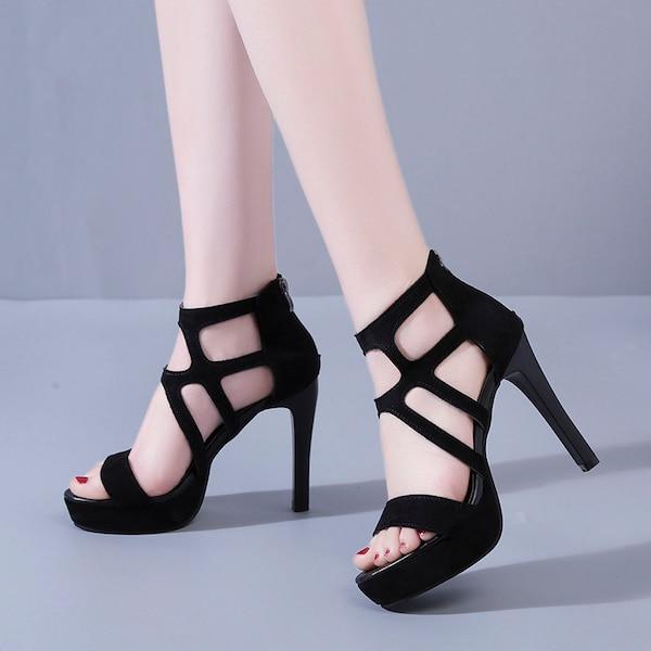 حذاء نسائي كعب عالٍ رفيع مفتوح من الأمام
