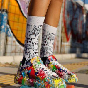 حذاء رياضة متعدد الألوان بطبعة ورباط نسائي