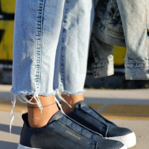 حذاء رياضي كحلي نسائي