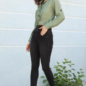 بنطلون جينز سكيني أسود بخصر مرتفع نسائي