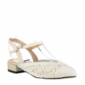 حذاء فلات أبيض برباط كاحل نسائي
