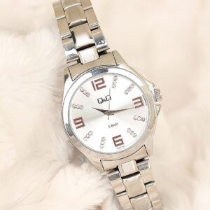 Women's 2 Years Guarantee Silver Metal Corded Stylish Case Watch