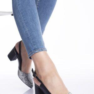 حذاء أسود مزخرف بستايل ثعبان وكعب نسائي