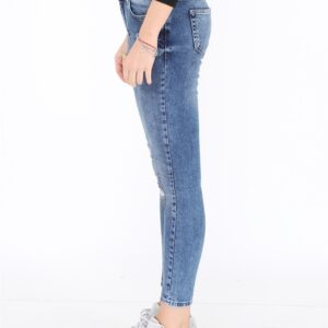 Women's Pocketed Ripped Jeans