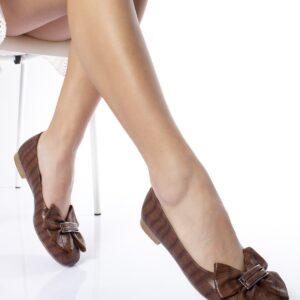 حذاء فلات ستايل تمساح بني فاتح نسائي