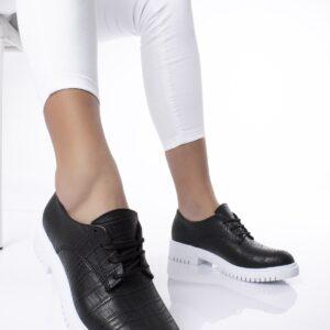 حذاء أسود ستايل تمساح برباط نسائي