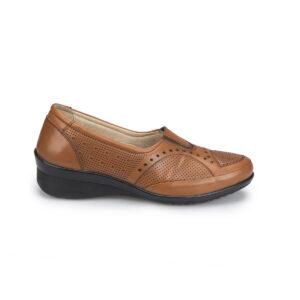 حذاء جلد مريح بني فاتح نسائي
